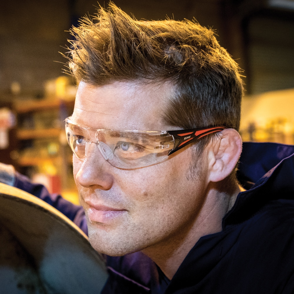 The best eyewear technology to stay safe in the workplace